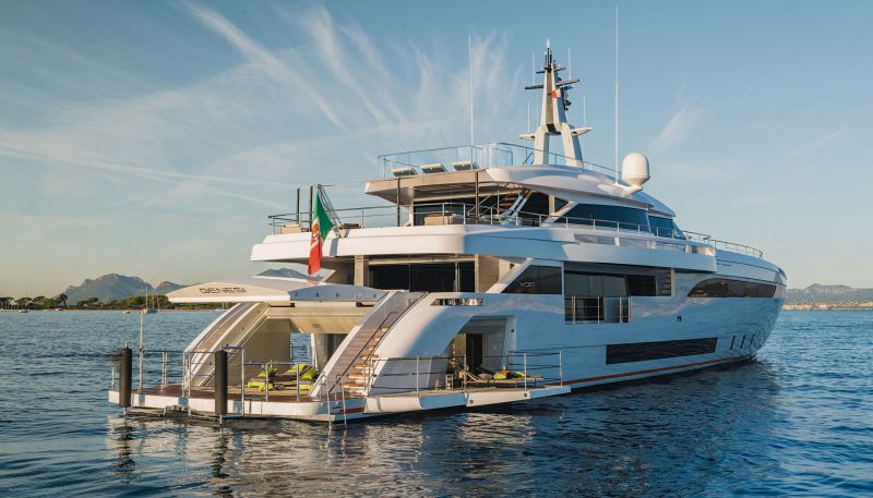 Моторная яхта «Wider 150» продана